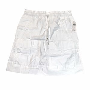 NWT WHITE ANTHROPOLOGIE SKIRT WITH POCKETS SIZE 10